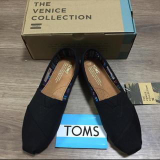 トムズ(TOMS)の新品未使用!TOMSトムズ ブラックオンブラック 24センチ(スニーカー)