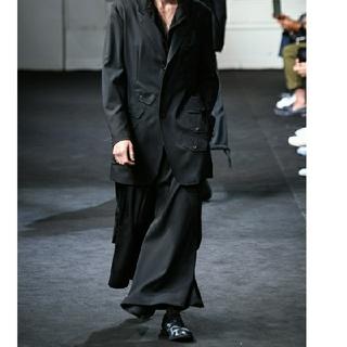 Yohji Yamamoto - yohjiyamamoto 29ss look2 股捻れパンツ