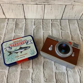カルディ(KALDI)のカルディ カメラ缶とオイルサーディン缶 空き缶(容器)