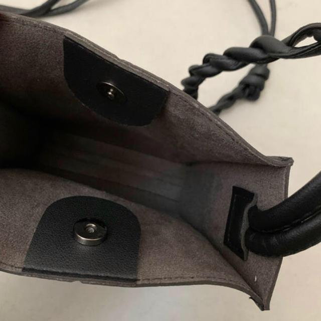 IENA SLOBE(イエナスローブ)のショルダーバッグ スクエア ブラック 黒 スクエアショルダーバッグ 韓国 レディースのバッグ(ショルダーバッグ)の商品写真