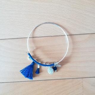 ザラ(ZARA)の新品 青のバングル ブレスレット(ブレスレット/バングル)