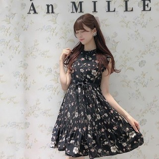 evelyn - 【AnMILLE】(アンミール)フラワープリーツOP♡新品未使用品