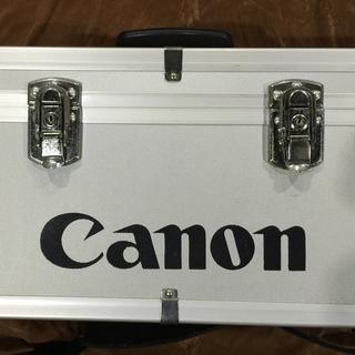 キヤノン(Canon)のCanon製カメラケースです。約30年くらい前、(ケース/バッグ)