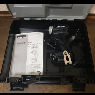 マキタ(Makita)のマキタ インパクトドライバー TD171D ブラック 新品未使用品!(メンテナンス用品)