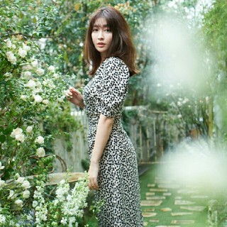 AKB48 - 新品 her lip to チェリー ワンピ S ベージュ 2020ss