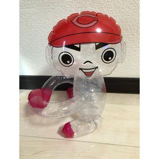 ヒロシマトウヨウカープ(広島東洋カープ)のカープ 坊やビニール人形 だっこはコツだ(応援グッズ)