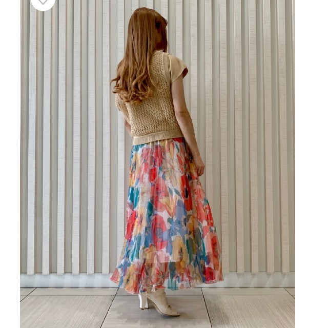 GRACE CONTINENTAL(グレースコンチネンタル)のグレースコンチネンタルマルチフラワーオーガンジースカート レディースのスカート(ロングスカート)の商品写真