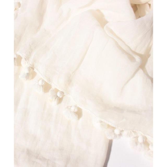 UNITED ARROWS(ユナイテッドアローズ)のユナイテッドアローズ購入 かわいいボンボン付き ビビットピンクのとろみストール  レディースのファッション小物(ストール/パシュミナ)の商品写真
