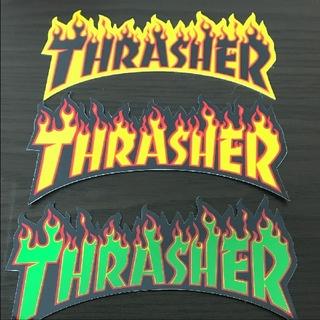 スラッシャー(THRASHER)の(縦8cm横15cm)THRASHER ファイアーロゴステッカー1枚のお値段(スケートボード)