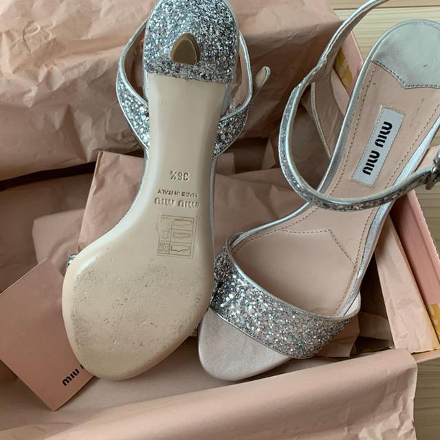 miumiu(ミュウミュウ)のmiumiu グリッターサンダル レディースの靴/シューズ(サンダル)の商品写真