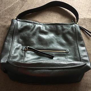コールハーン(Cole Haan)の米国の名門靴・鞄メーカー コール・ハーン革製セミショルダーバッグ美品(ショルダーバッグ)