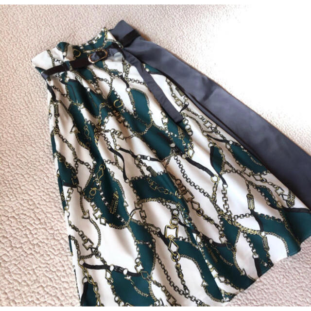 Mystrada(マイストラーダ)のマイストラーダ  チェーンフレアスカート レディースのスカート(ひざ丈スカート)の商品写真