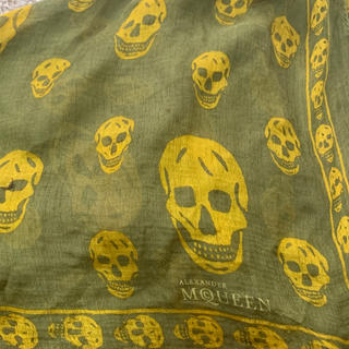 アレキサンダーマックイーン(Alexander McQueen)のアレキサンダーマックイーン定番貴重色大判スカルスカーフ(バンダナ/スカーフ)
