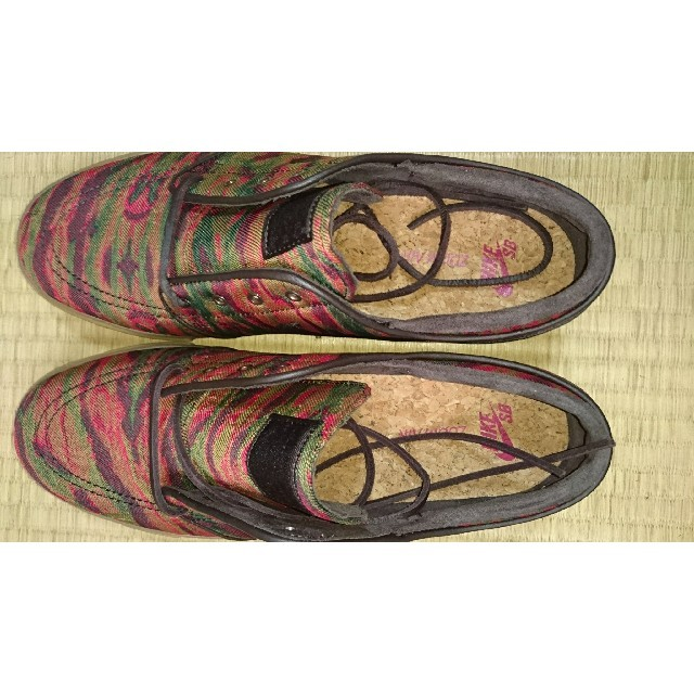 NIKE(ナイキ)のNIKE ナイキ 本物 ZOOMAIR 試着のみ 28.5cm メンズの靴/シューズ(スニーカー)の商品写真