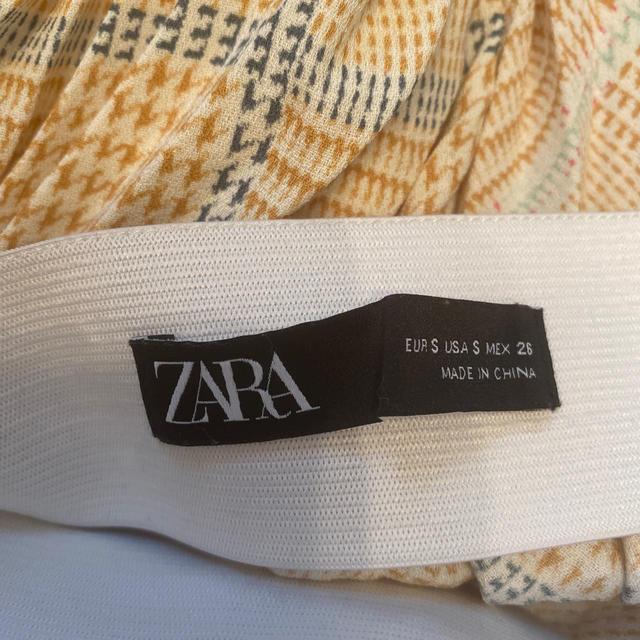 ZARA(ザラ)のZARA プリーツロングスカート  レディースのスカート(ロングスカート)の商品写真
