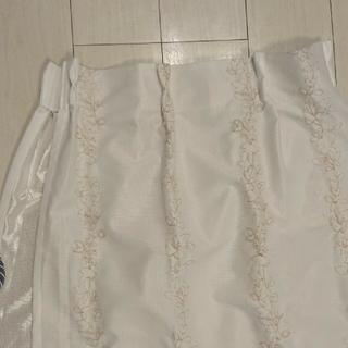 ベルメゾン(ベルメゾン)のベルメゾン 葉っぱ柄 レースカーテン 遮像 白 2枚目(レースカーテン)
