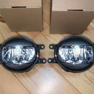 トヨタ(トヨタ)のトヨタ C-HR  純正 フォグ LED フォグランプ(車種別パーツ)