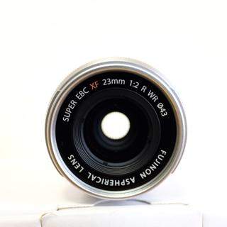 フジフイルム(富士フイルム)のXF23mm f2 R WR シルバー 富士フイルム(レンズ(単焦点))