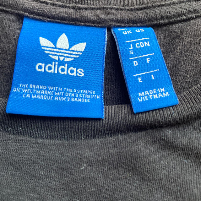 adidas(アディダス)のadidasTシャツ レディースのトップス(Tシャツ(半袖/袖なし))の商品写真