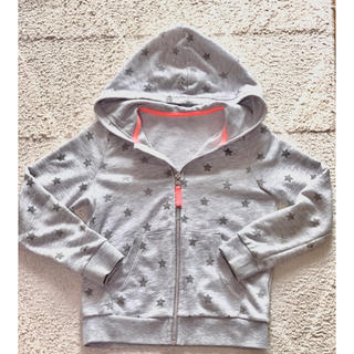 エイチアンドエム(H&M)のh&m 110 から120パーカー 星(ジャケット/上着)