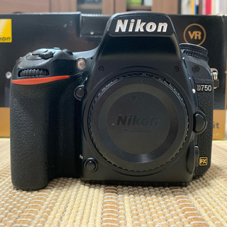 Nikon - 【値引中】【良品】Nikon D750 ボディ