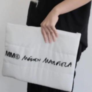 エムエムシックス(MM6)のSPUR×MM6 Maison Margiela パデッドポーチ ポーチ(ポーチ)