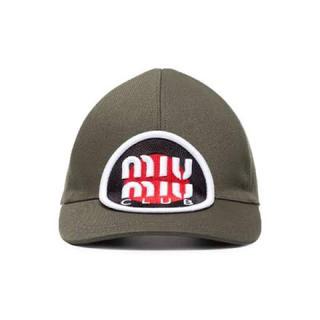 ミュウミュウ(miumiu)のmiumiu キャップ カーキ(キャップ)
