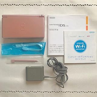 ニンテンドーDS(ニンテンドーDS)のNintendo DS ニンテンド-DS LITE メタリックロゼ(携帯用ゲーム機本体)