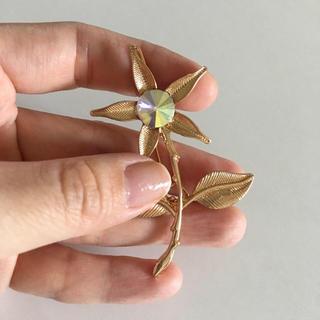 グリモワール(Grimoire)のvintageレトロゴールドお花オーロラbigブローチ(イヤリング)