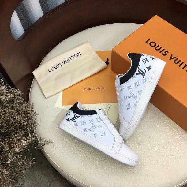 LOUIS VUITTON(ルイヴィトン)のLOUIS VUITTON  スニーカー  22.5-27.5cm レディースの靴/シューズ(スニーカー)の商品写真