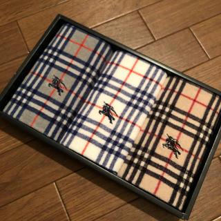 BURBERRY - バーバリー ハンドタオル 3枚セット burberry