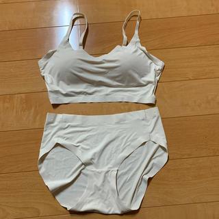 しまむら - 送料込み 新品未使用 ブラジャー パンツ ショーツ ベージュに近い白 カップ付き