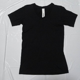 アタッチメント(ATTACHIMENT)の日本製 美シルエット 美品◆アタッチメント Vネック半袖Tシャツ黒2◆カットソー(Tシャツ/カットソー(半袖/袖なし))