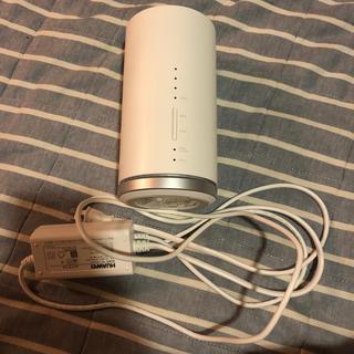 エーユー(au)のホームWi-Fi Speed Wi-Fi HOME L01s(PC周辺機器)