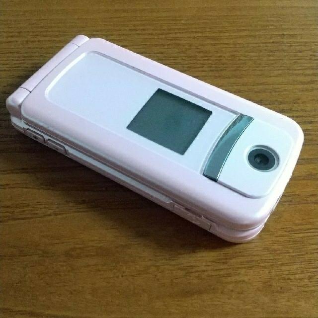 富士通(フジツウ)の【ガラケー】NTTdocomo らくらくホン F883iES ピンク スマホ/家電/カメラのスマートフォン/携帯電話(携帯電話本体)の商品写真