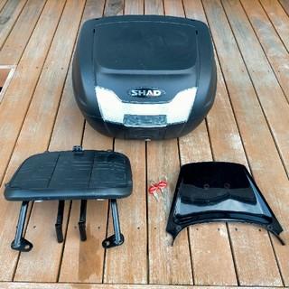 SHAD SH40 TMAX500用キャリア&リアカウルセット t-max (パーツ)