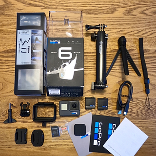 GoPro - GoPro6本体 アクセサリー,予備バッテリー,sdカード付き