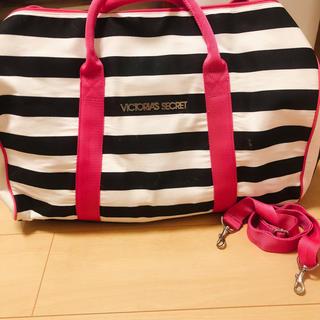 ヴィクトリアズシークレット(Victoria's Secret)のヴィクトリアシークレット ボストンバッグ 鞄(ボストンバッグ)