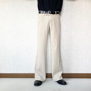 サンシー(SUNSEA)の beige wide flare trousers (スラックス)