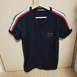 ドルチェアンドガッバーナ(DOLCE&GABBANA)の【美品!!】DOLCE&GABBANA イタリアンカラー プレート付きTシャツ(Tシャツ(半袖/袖なし))