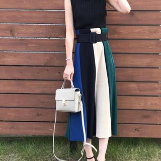 Mila Owen - ベルト付きパネルニットスカート