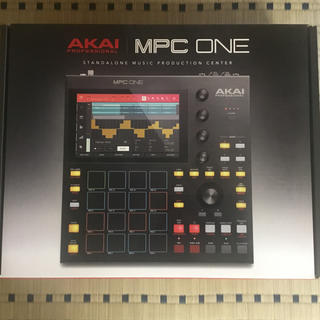 Akai MPC One (MIDIコントローラー)