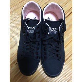 adidas - adidas♡黒×ピンクスニーカー