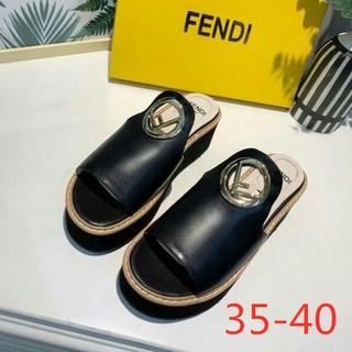 FENDI サンダル