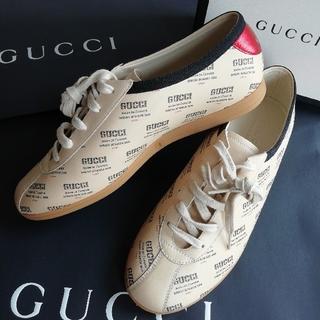 グッチ(Gucci)の正規店購入 グッチ ロゴスタンプレザースニーカー 新品、箱ショッパー付き(スニーカー)
