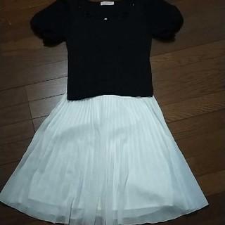エフデ(ef-de)の3wayホワイト膝丈スカート  ブラックトップスとセット(ひざ丈スカート)