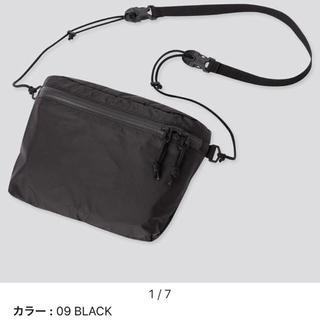 ユニクロ(UNIQLO)の新品 UNIQLO ライトウェイトファニーバッグ ブラック(ショルダーバッグ)