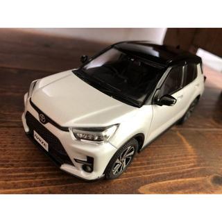 トヨタ(トヨタ)の非売品!トヨタ ライズ RAIZE 1/30 ミニカー ブラック×ホワイトパール(ミニカー)