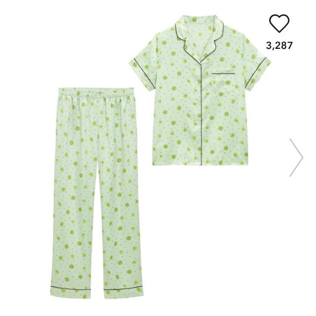GU(ジーユー)のGU  フルーツパジャマ 新品 キウイ レディースのルームウェア/パジャマ(パジャマ)の商品写真