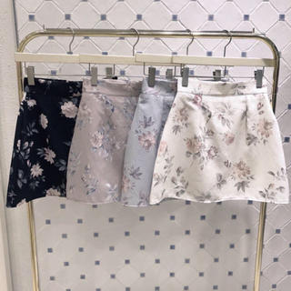 evelyn - evelyn 台形花柄 スカート